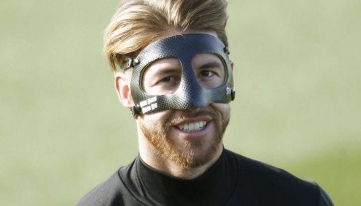 بهترین کاربردهای پرینت سه بعدی در ورزش-ماسک فوتبال پرینت سه بعدی