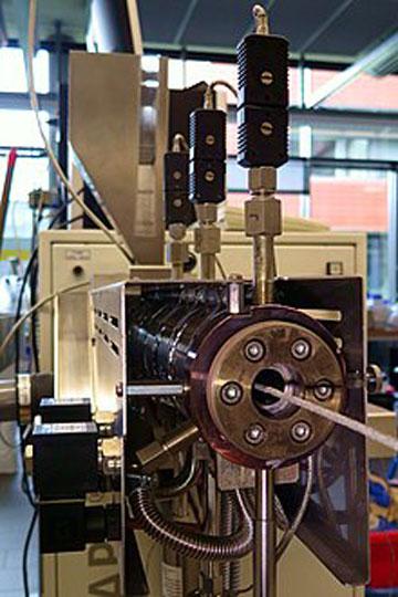 تولید فیلامنت به وسیله ی اکسترودر
