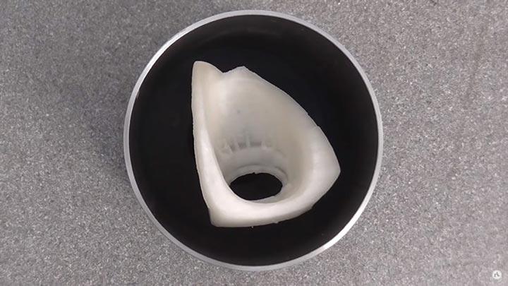 قطعات PLA در بطری های ریخته گری