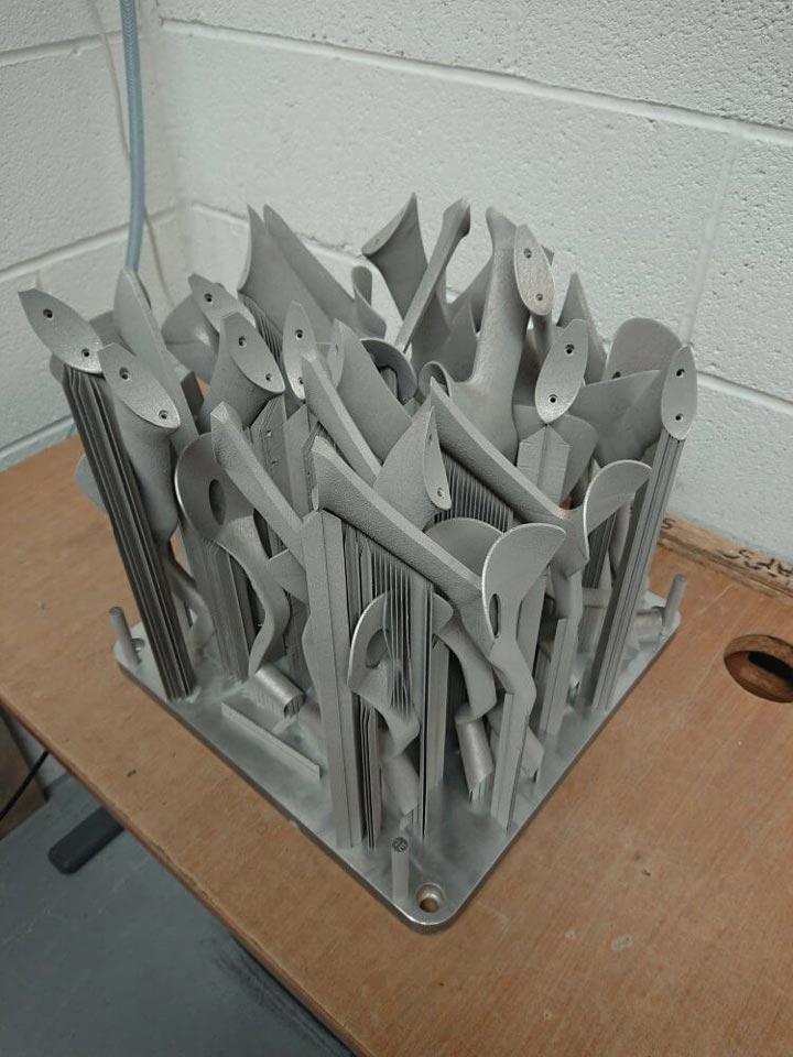 قطعات جانبی میله ی Scalmalloy پرینت شده با EOS M400